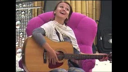 Камелия свири - Vip Brother 6.11.2012