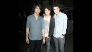 Pictures ! Jonas Brother - Burning Up