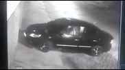 Крадци опитаха да оберат полицай, той ги гръмна