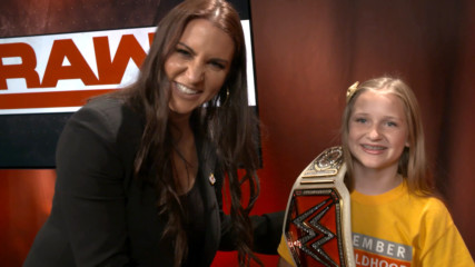 "Hyundai Hope on Wheels National Youth Ambassador Elizabeth sings ""Happy Birthday"" to Stephanie McMahon: WWE.com Exclusiv"