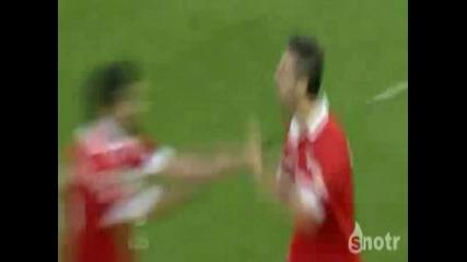 Футболист Нокаутира Съотборника Си !