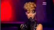 Rihanna - Russian Roulette live
