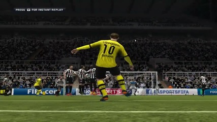 Левандовски със страхотен free kick