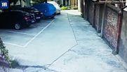 Паркиране по китайски? С две маневри