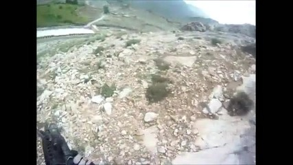 Американски войник оцеля от стрелба на талибани срещу него в Афганистан