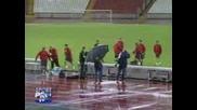 Manchester United Футболисти Бягат От Светкавица