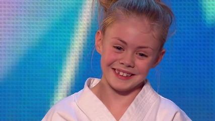 Чаровното хлапе Джеси показва умения с меч - Britain's Got Talent 2015
