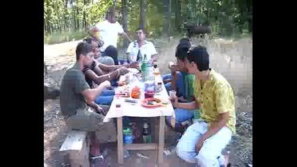 Kubratskite Na Piknik(ot Mahalata)