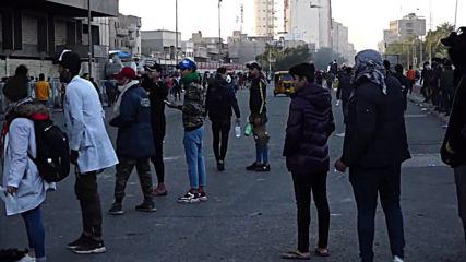 Iraq: Anti-government protesters clash with police
