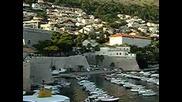 Пристанището в стария град на Дубровник.