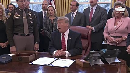 USA: Trump says he has 'absolute right' to declare national emergency over border wall
