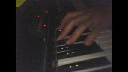 Пиано-мелодията на Стъклен Дом