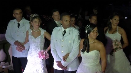 Десет влюбени двойки се венчаха заедно в Рио