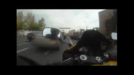 Черния Дявол подлуди Москва с Yamaha R1