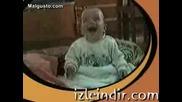 Бебенце Се Смее Като Идиотче