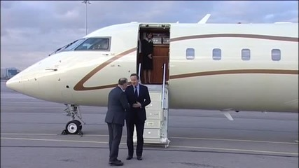 Дейвид Камерън пристигна в София