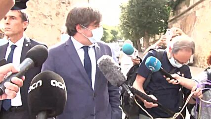 Italy: Puigdemont visits Catalan folklore festival after release from Sardinian jail
