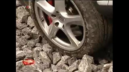Lada Niva vs Porsche Cayenne - 1