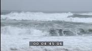 Огромни вълни причинени от тайфун