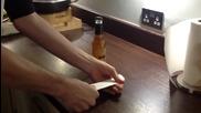 Как да отворите бутилка бира с лист хартия