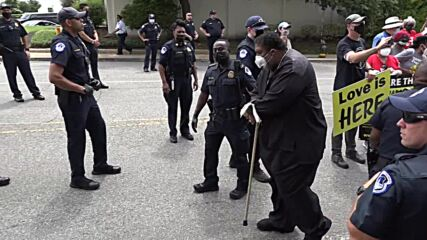 USA: Activists 'not afraid of jail' as Jesse Jackson among those arrested at voting rights rally