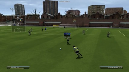 Cristiano и Bale Избухват с Free Kick 37yrd (practice arena)