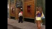 Каталина я изхвърлят от Стриптийз бара и приятелките й я придружиха до такси