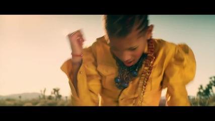 Новичко Willow - 21st Century Girl Official Video 2011 Превод