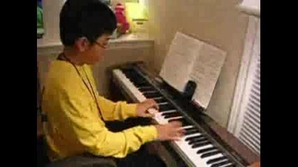 Невероятно Дете Свири На Пиано