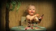 Как да ходи като прекали с пиячката-много сладко детенце