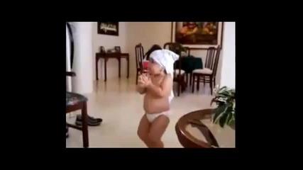 100% Смях - Най-сладкото0 бебе,танцува