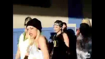 Gwen Stefani - Hollaback Girl Super Clean Version Closed Captioned