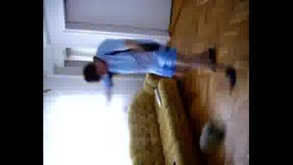 Танцуваштото Йоре - Футболист
