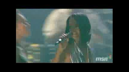 Rihanna - Umbrella (live In Montreal)