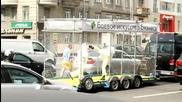 Мотивиращо ! Каратисти по улиците на Москва!