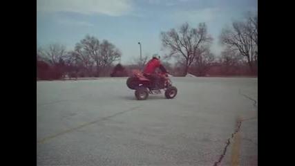 Защо да хабим всички гуми като може само 2