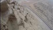 Младеж изкачи Голямата пирамида в Гиза незаконно