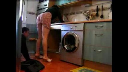 Техник, на перални.