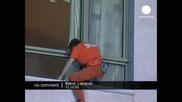 Спайдърмен се катери по хотел в Бейрут, Ливан