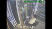 Инцидент!!! Мъж пада в асансьорна шахта