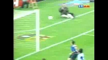 Javier Saviola scored for Barcelona