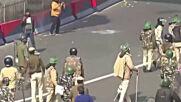 Бунтове обхванаха Делхи, има поне 1 загинал протестиращ