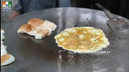Бърза Храна на улицата .. Omlet Pav - Rare Street Food - North Indian Dishes - Mumbai