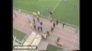 Российский футболист избил арбитра.