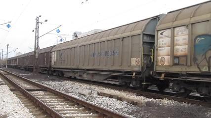 Товарен влак с трамваи в междугарието Подуяне-софия.