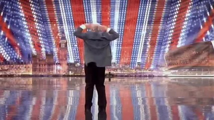 Дядо подлуди публиката във Великобритания търси талант 2011