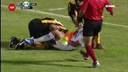 Футболист се опита да откъсне пениса на противников играч