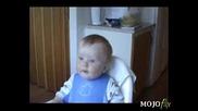 Едно Бебе Което Откацха Да Се Смее :d
