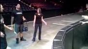 Вижте как кечисти репетират излизането си на ринга