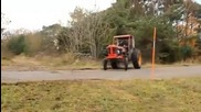 Трактор монстр - Monster Tractor